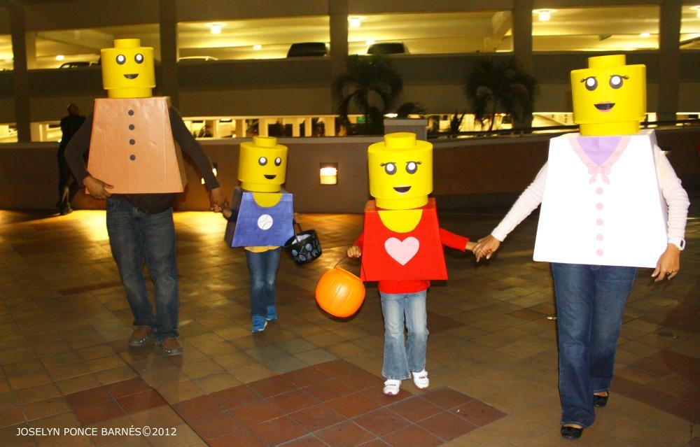 Disfraces de Familia LEGO (1/4)