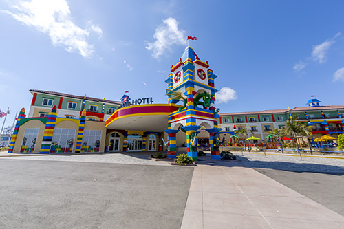 Lego-Hotel-Front-Entrance_LLC_500x333