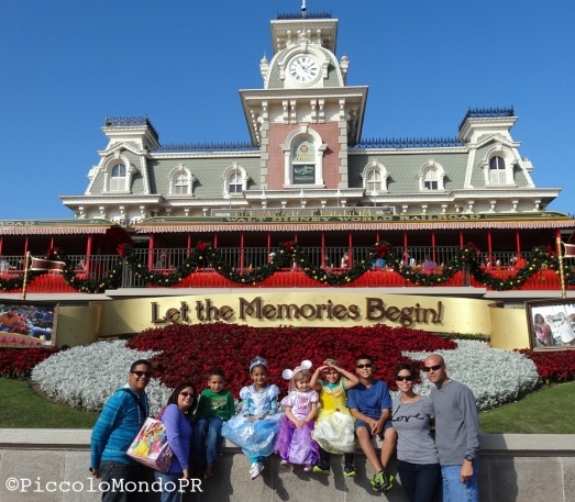 Familia En Disney World PiccoloMondoPR