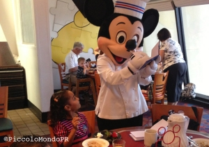 Piccolo En Disney Chek Mickey