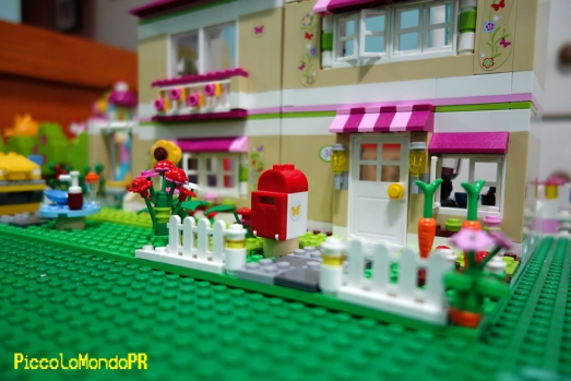 LEGOhouse