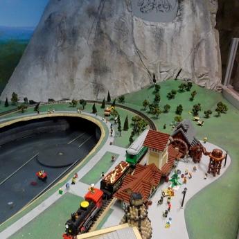 LEGO DISCOVERY CENTER Atlanta 1 PM